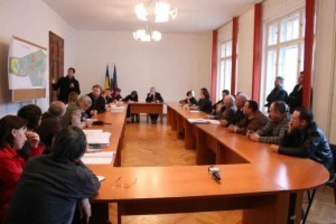 Dezbatere publica: Strand in Dumbrava