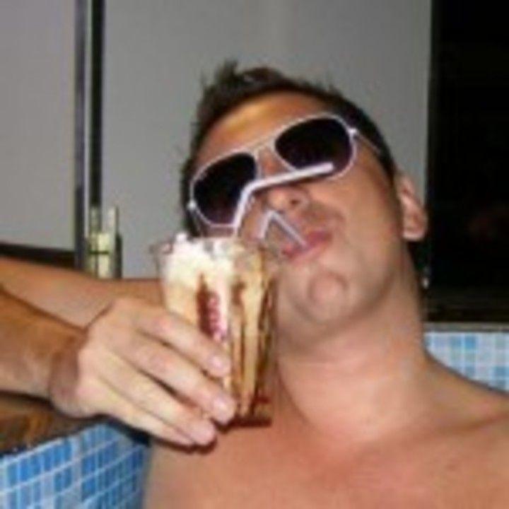 Cocalar la baie... cu ochelari de soare, normal!
