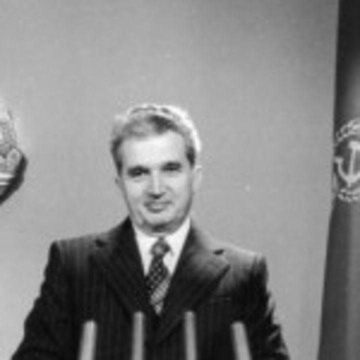 Unii il mai aniverseaza pe Ceausescu. Si altii pe Hitler sau Stalin