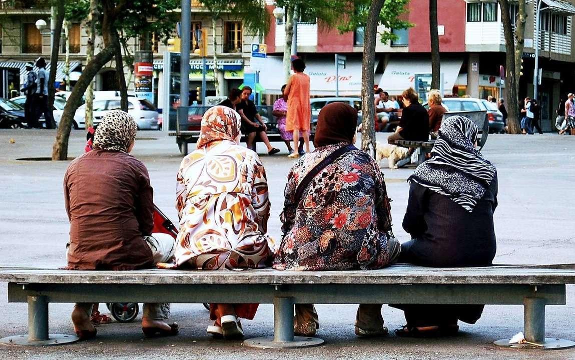 Ipocrizia crasa a unui popor aflat intr-o criza de identitate