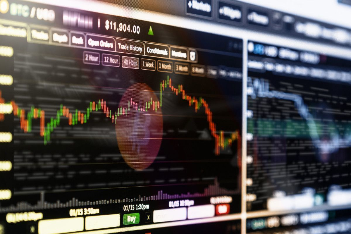 De ce s-au dus în cap monedele virtuale