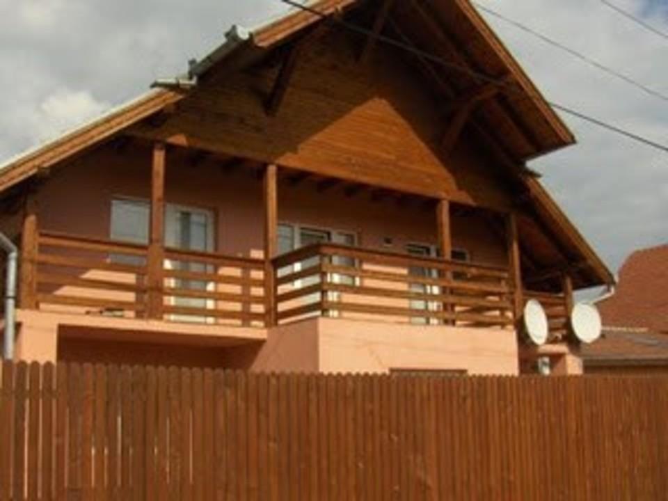 Barbu sta in Sibiu la 3 adrese