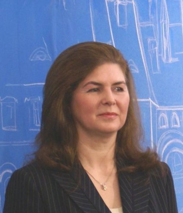 Amalia Cindrea demisa?